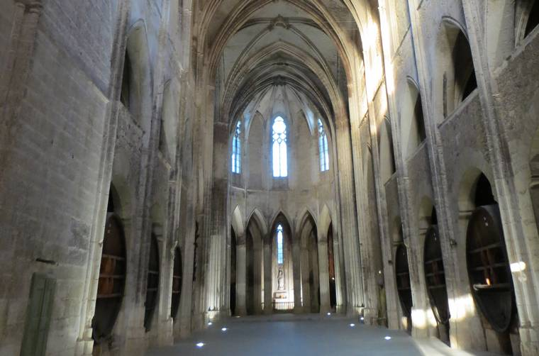 Nef de l'abbaye de Valmagne