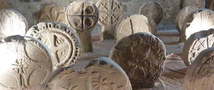 Stèles au musée de Lodève